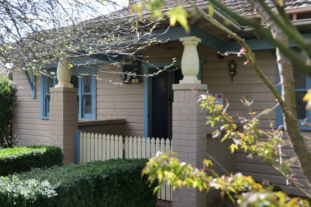 Pop In is a women's drop in centre and online service in a cosy cottage environment on Mona Road, Bowral.